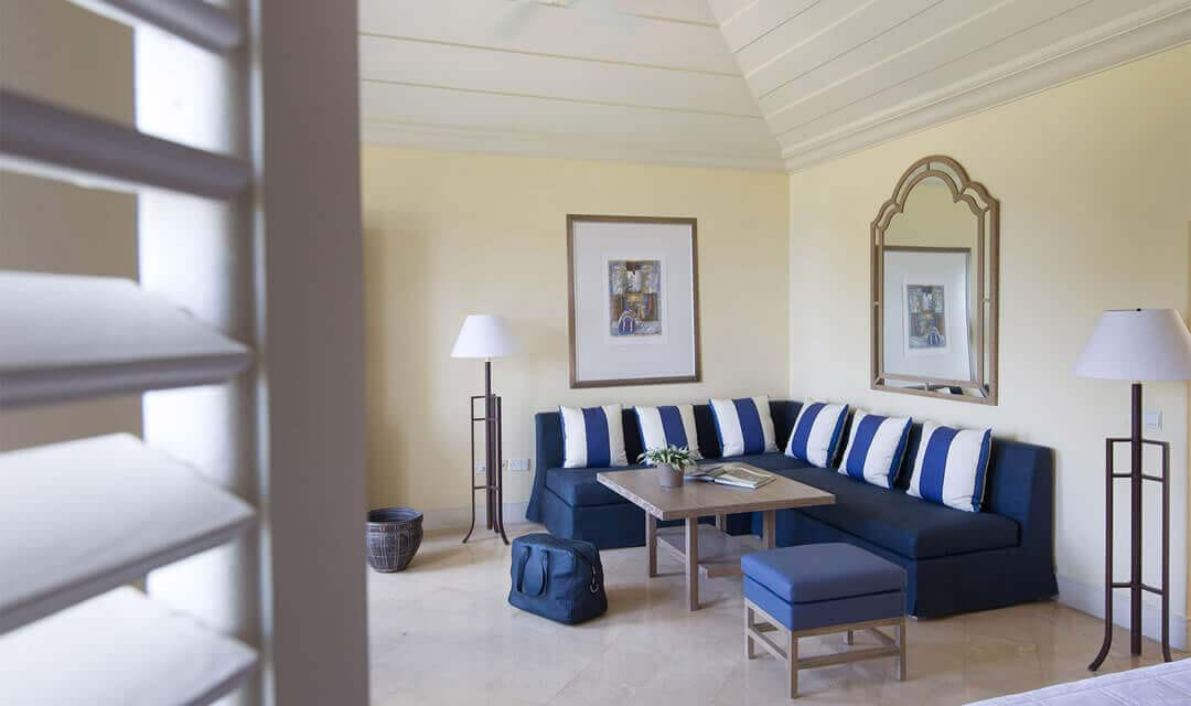 Interconnecting Junior Suite with Pool and Garden Studio Suite Sea View